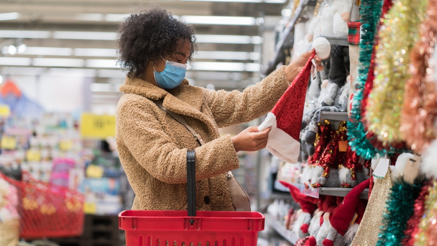 woman-shopping-for-holiday-decorations